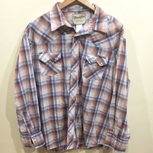 •Wrangler• Western fashion pearl snap shirt